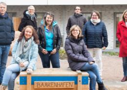 Das Aufwind-Team im Innenhof der Baakenallee 60