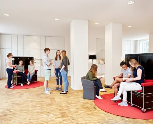Spenden in Hamburg: Im Lotsenhaus und dem zugehörigen Saal können sich Menschen umfangreich über die Themen Abschied, Tod und Trauer informieren